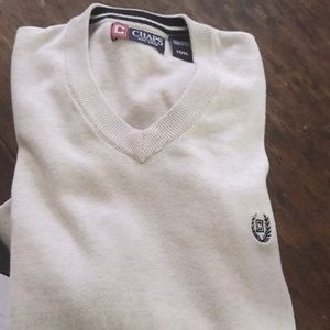 Chaps v- neck pull over sweater